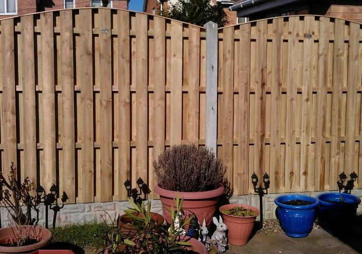 Professional Fence Fitting | Fence Fitters in Ossett, Wakefield and Leeds | bradfordbrothers.co.uk